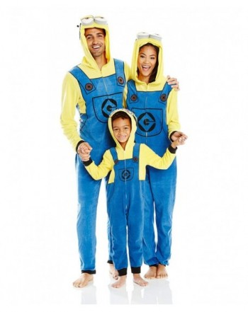 Despicable Me Minion Family Cosplay