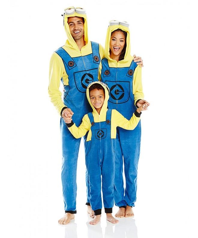 Despicable Me Minion Family Cosplay